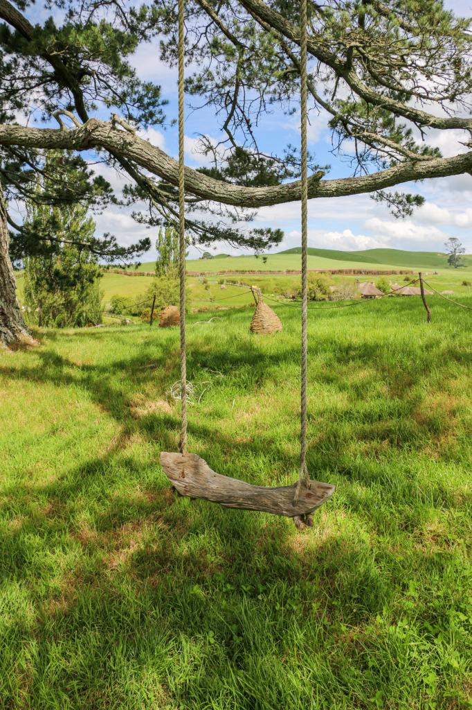 Hobbit swing