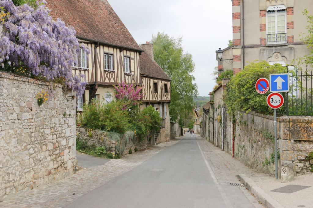 Provins street