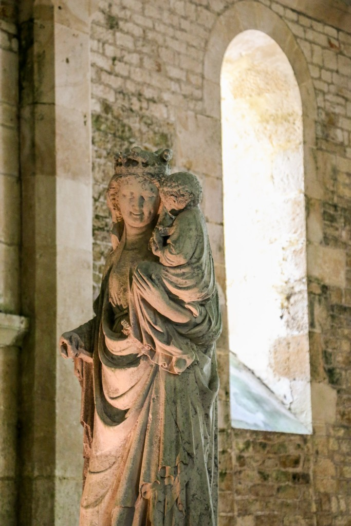 Abbey Fontenay - Virgin of Fontenay