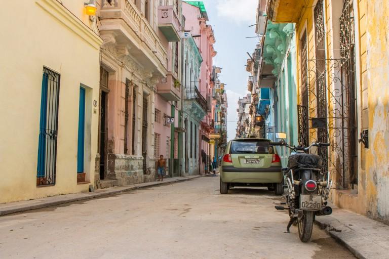 Driving in Cuba - Havana