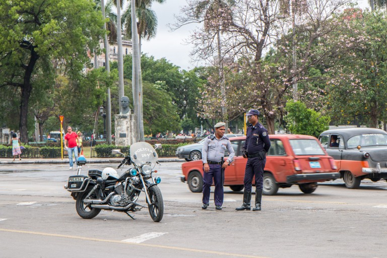 Driving in Cuba - Police