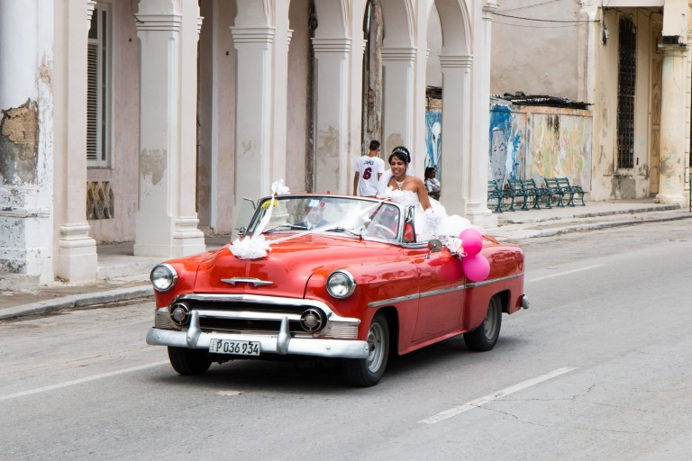 Driving in Cuba - Wedding