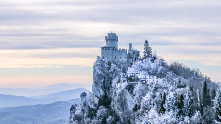 「san marino italy winter」の画像検索結果